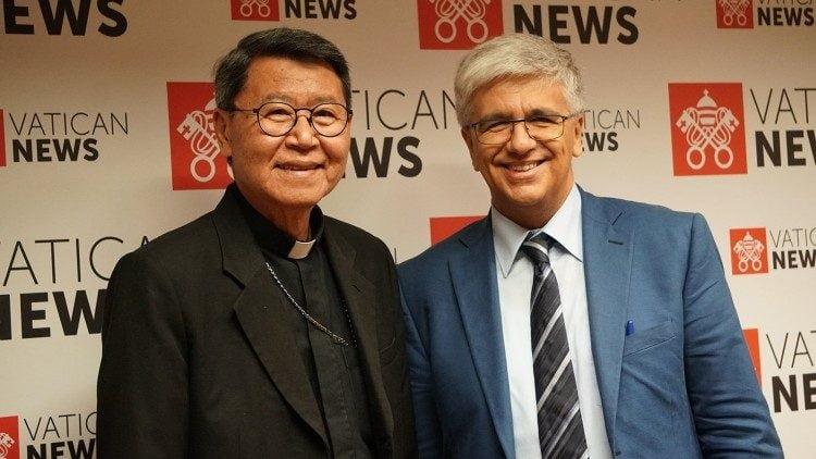 2019 09 27 incontro del direttore editoriale andrea tornielli e il vescovo peter kham 750x422 - Giám đốc Vatican News: Chúng tôi chờ những chứng tá từ Việt Nam