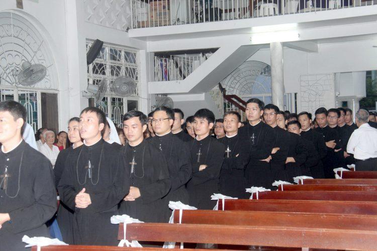 22092019 162359 2 750x500 - Giáo xứ Hợp An: Lễ giỗ 1 năm cha Gioan Hoan Nguyễn Hữu Vịnh