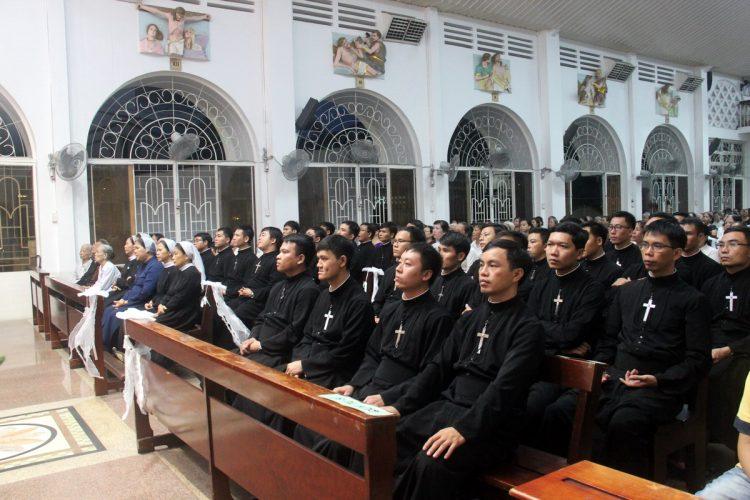 22092019 162359 5 750x500 - Giáo xứ Hợp An: Lễ giỗ 1 năm cha Gioan Hoan Nguyễn Hữu Vịnh