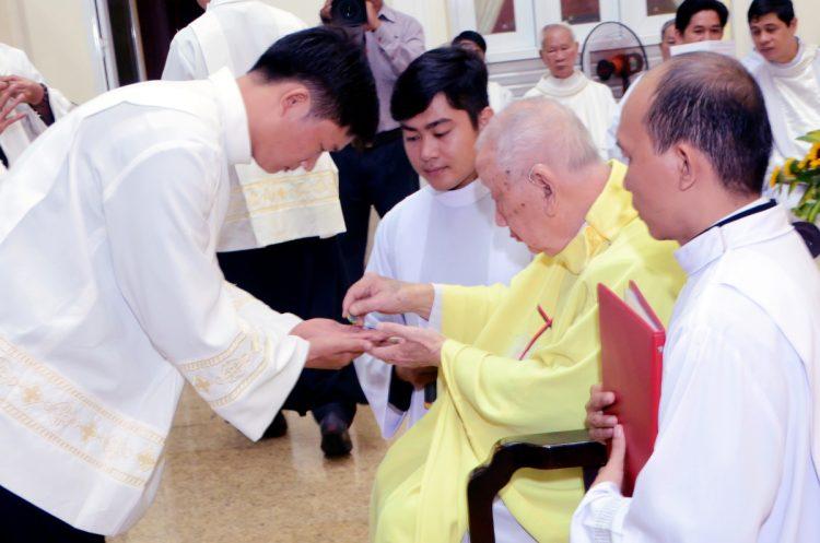 23092019 162412 6 750x497 - Hiệp Hội Thánh Phaolô Tông Đồ Dân Ngoại: Hồng ân dâng hiến