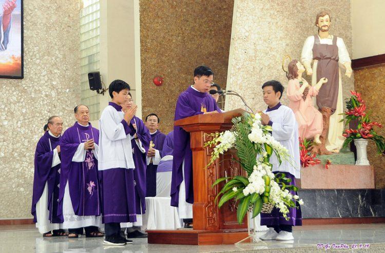 23092019 164935 6 750x493 - Giáo xứ Tân Phú: Lễ Giỗ một năm cha cố Giuse Lê Đình Quế Minh