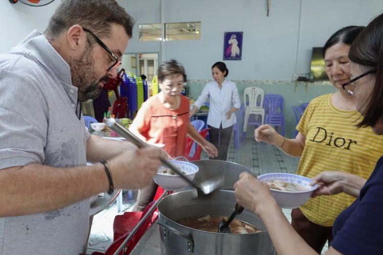 29092019 153034 8 750x500 - Giáo xứ Gia Định: Nhóm Từ Thiện Bác Ái thăm nhà Dưỡng Lão Tình Thương Vinh Sơn