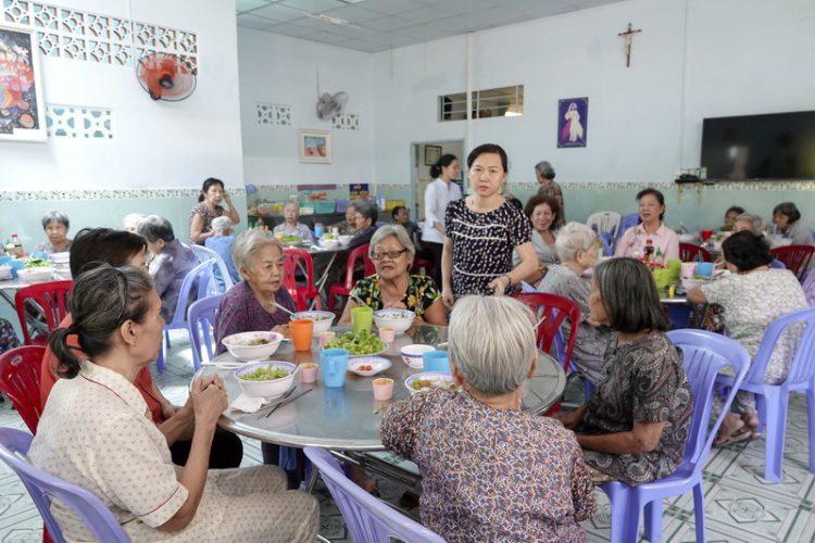 29092019 153034 9 750x500 - Giáo xứ Gia Định: Nhóm Từ Thiện Bác Ái thăm nhà Dưỡng Lão Tình Thương Vinh Sơn