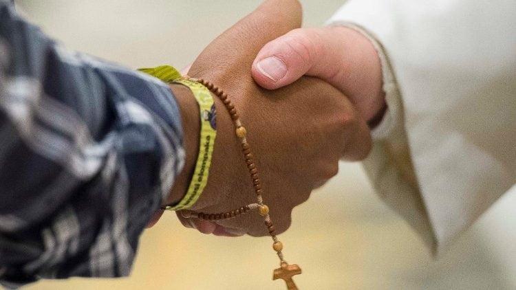 cac dong truyen giao cua y 750x422 - ĐTC tiếp phái đoàn các dòng truyền giáo của Ý