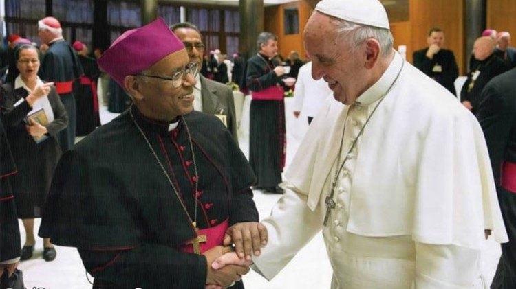 dtc gap duc cha abune menghesteab tesfamariam cua eritrea 750x421 - Các Giám mục Eritrea lên án việc chính quyền quốc hữu hóa các trường học Công giáo