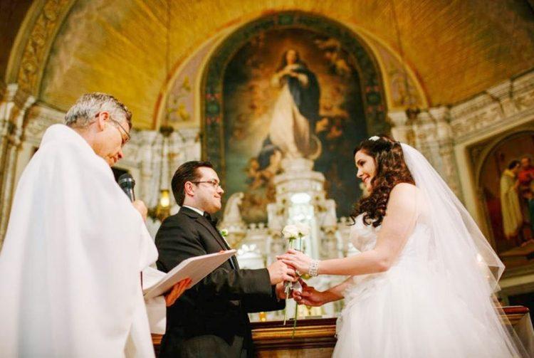 hon nhan mot vo mot chong 750x503 - Hôn nhân một vợ một chồng