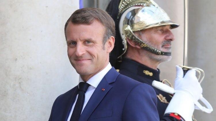 tong thong emmanuel macron cua phap 750x422 - Tổng Thống Pháp gặp gỡ lãnh đạo Giáo hội Pháp