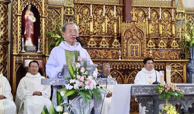 xom thuong1 - Lám phép tháp chuông nhà thờ Xóm Thượng - giáo xứ Thạch Bích