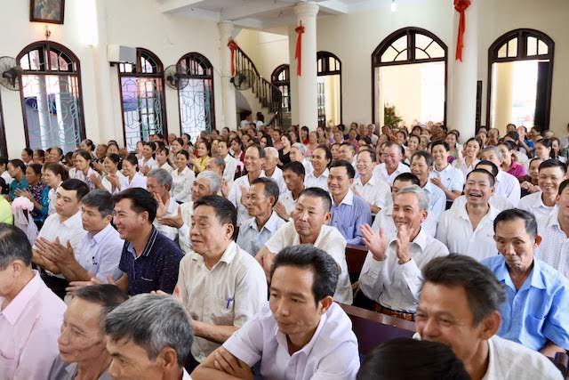 xom thuong5 - Lám phép tháp chuông nhà thờ Xóm Thượng - giáo xứ Thạch Bích