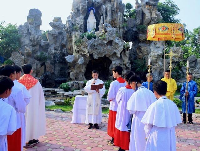 xuy xa 4 - Giáo xứ Xuy Xá: Mừng lễ Tổng lãnh Thiên Thần Micae – quan thầy Giáo xứ