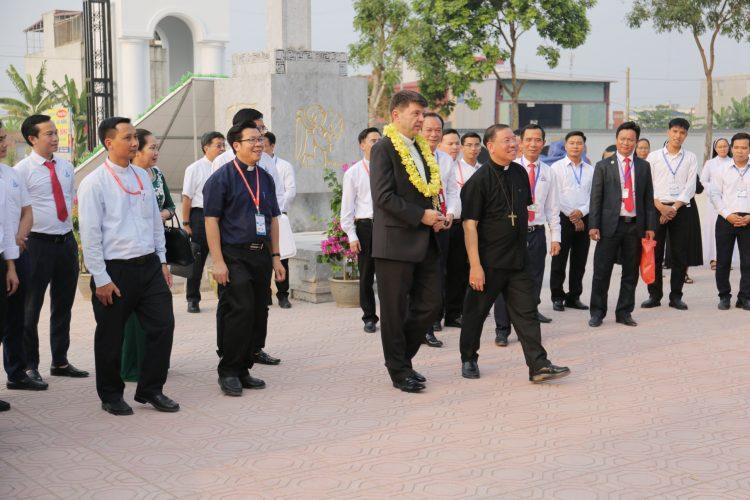 01102019 040254 750x500 - Giáo phận Hải Phòng hân hoan đón tiếp Hội đồng Giám mục Việt Nam đến tham dự Đại hội XIV