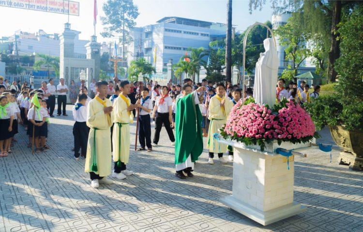 01102019 112634 1 750x479 - Giáo xứ Phú Bình: Mừng bổn mạng Đoàn Thiếu Nhi Thánh Thể