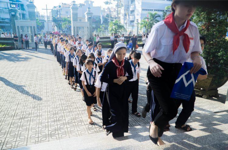 01102019 112634 2 750x495 - Giáo xứ Phú Bình: Mừng bổn mạng Đoàn Thiếu Nhi Thánh Thể