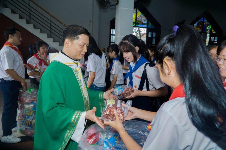 01102019 112634 7 750x500 - Giáo xứ Phú Bình: Mừng bổn mạng Đoàn Thiếu Nhi Thánh Thể