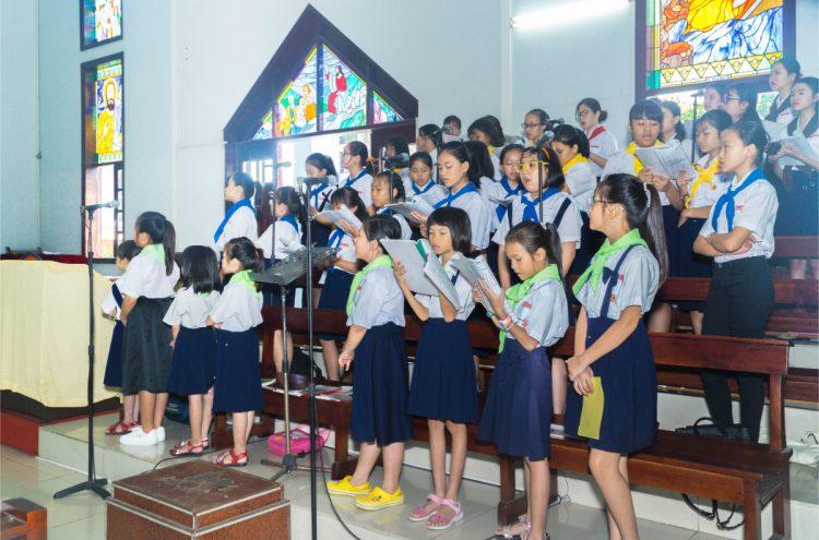 01102019 112634 8 750x495 - Giáo xứ Phú Bình: Mừng bổn mạng Đoàn Thiếu Nhi Thánh Thể