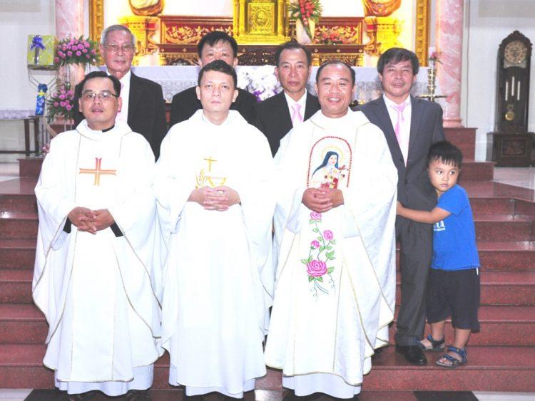 02102019 165006 9 750x563 - Giáo xứ Bình Thuận (Tân Sơn Nhì): Mừng Lễ Thánh Têrêsa