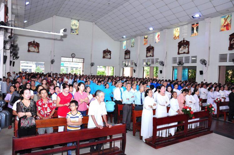 07102019 124531 5 750x498 - Giáo xứ Bình Thuận, hạt Tân Sơn Nhì: Mừng Lễ Đức Mẹ Mân Côi