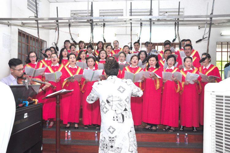 07102019 124531 7 750x498 - Giáo xứ Bình Thuận, hạt Tân Sơn Nhì: Mừng Lễ Đức Mẹ Mân Côi
