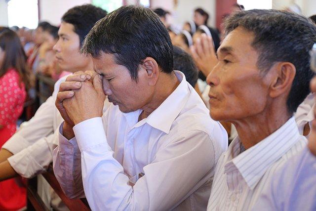 16387 luong xa 9 - Giáo xứ Lường Xá thay mặt Tổng Giáo phận chầu Thánh Thể Chúa 2019