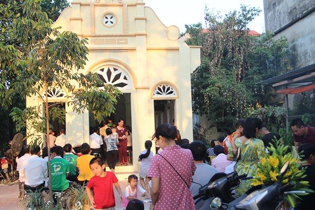 16406 kim hoang 1 - Giáo họ Kim Hoàng: Thánh lễ tạ ơn đặt Mình Thánh Chúa và Làm phép tháp chuông