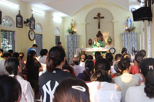 16406 kim hoang 4 1 - Giáo họ Kim Hoàng: Thánh lễ tạ ơn đặt Mình Thánh Chúa và Làm phép tháp chuông