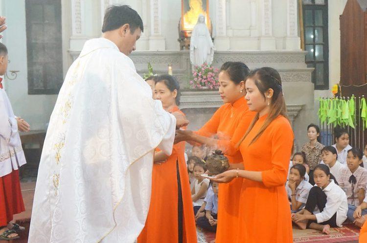 16413 hoi teresa 6 750x498 - Hội Têrêsa Giáo xứ Đại ơn mừng lễ quan thầy