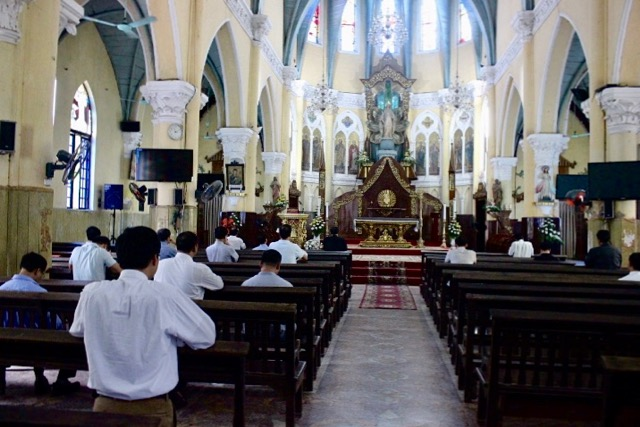 16429 nam dinh - Họp mặt linh mục giáo hạt Nam Định tháng 10/2019