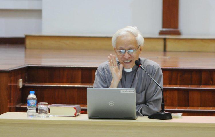 16451 huan duc 6 750x478 - Đức Giám mục giáo phận Bắc Ninh huấn đức tại Đại Chủng Viện thánh Giuse Hà Nội