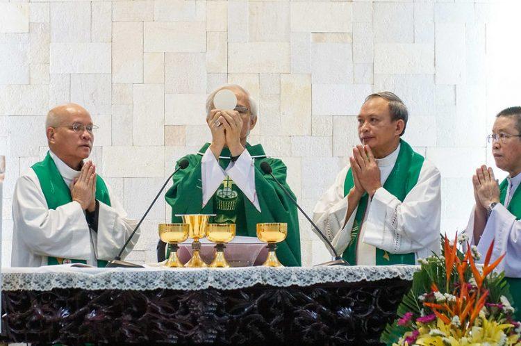16451 huan duc 8 750x498 - Đức Giám mục giáo phận Bắc Ninh huấn đức tại Đại Chủng Viện thánh Giuse Hà Nội
