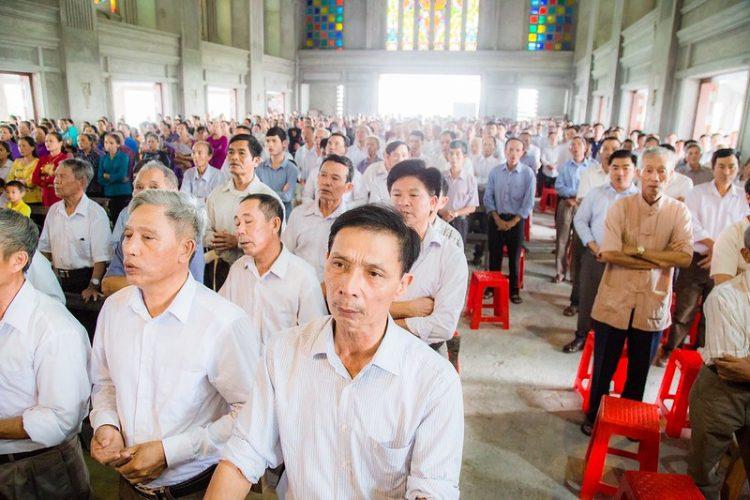 16467 nhu thuc 3 750x500 - Giáo họ Như Thức chầu Thánh Thể thay mặt Địa phận