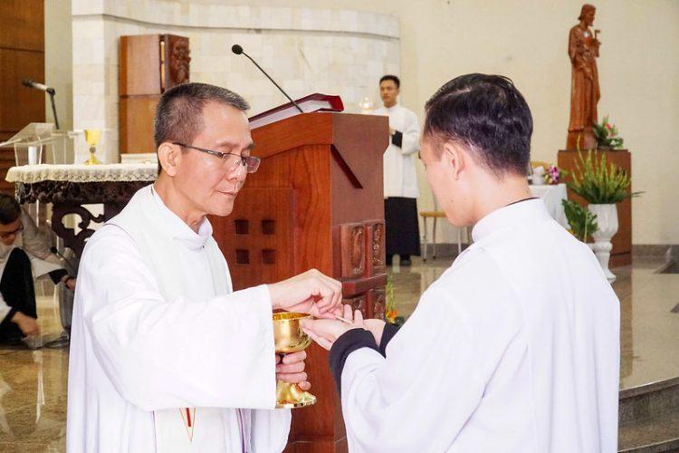 16469 quan thay 11 750x500 - ĐCV Thánh Giuse Hà Nội: Lớp thần I mừng lễ bổn mạng Thánh Giáo Hoàng Gioan XXIII