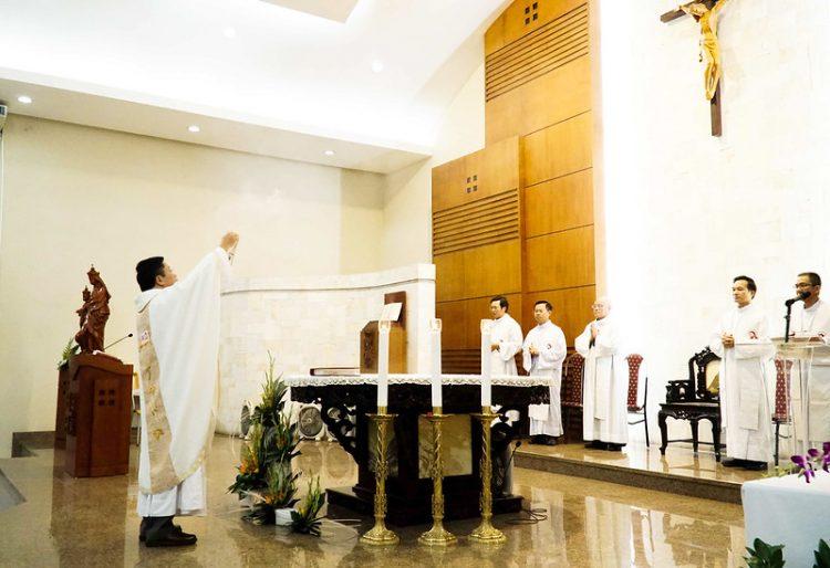 16469 quan thay 3 750x514 - ĐCV Thánh Giuse Hà Nội: Lớp thần I mừng lễ bổn mạng Thánh Giáo Hoàng Gioan XXIII