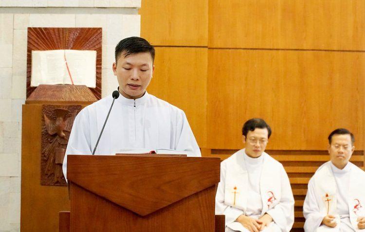 16469 quan thay 4 750x477 - ĐCV Thánh Giuse Hà Nội: Lớp thần I mừng lễ bổn mạng Thánh Giáo Hoàng Gioan XXIII