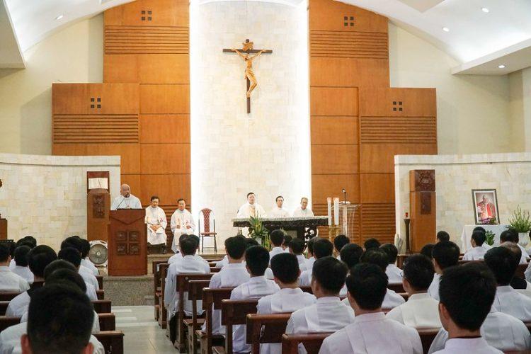 16469 quan thay 7 750x500 - ĐCV Thánh Giuse Hà Nội: Lớp thần I mừng lễ bổn mạng Thánh Giáo Hoàng Gioan XXIII