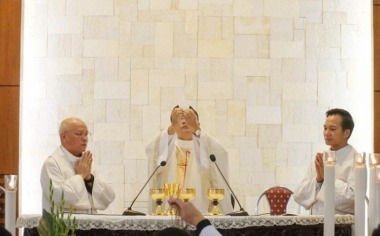16469 quan thay 9 750x467 - ĐCV Thánh Giuse Hà Nội: Lớp thần I mừng lễ bổn mạng Thánh Giáo Hoàng Gioan XXIII