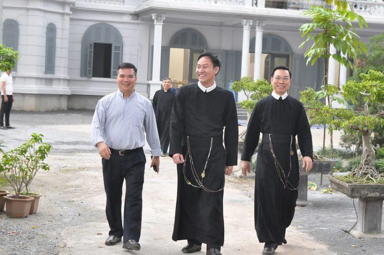 16477 tu si 1 750x498 - Đại Hội Liên Tu Sĩ Tổng Giáo Phận Hà Nội Lần II