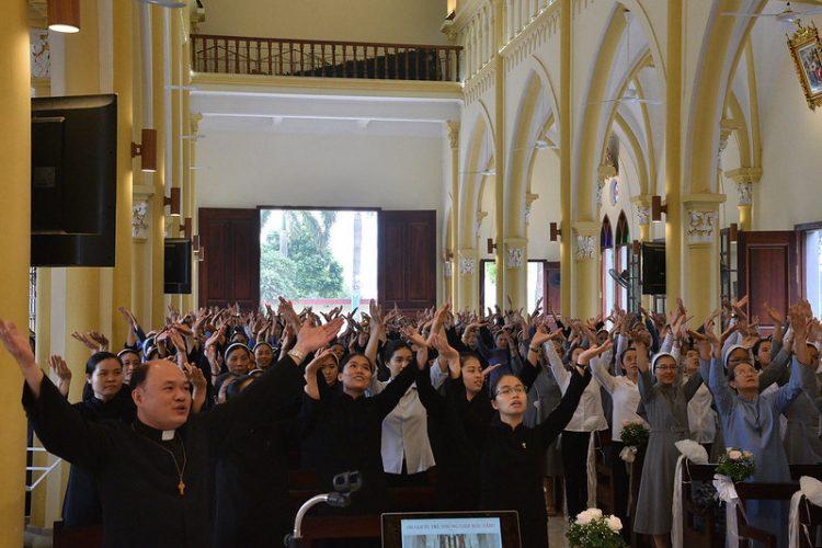 16477 tu si 5 750x500 - Đại Hội Liên Tu Sĩ Tổng Giáo Phận Hà Nội Lần II