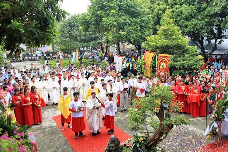 16538 tuy hien 6 750x500 - Giáo xứ Tụy Hiền: Khánh thành nhà mục vụ và Thánh lễ tạ ơn