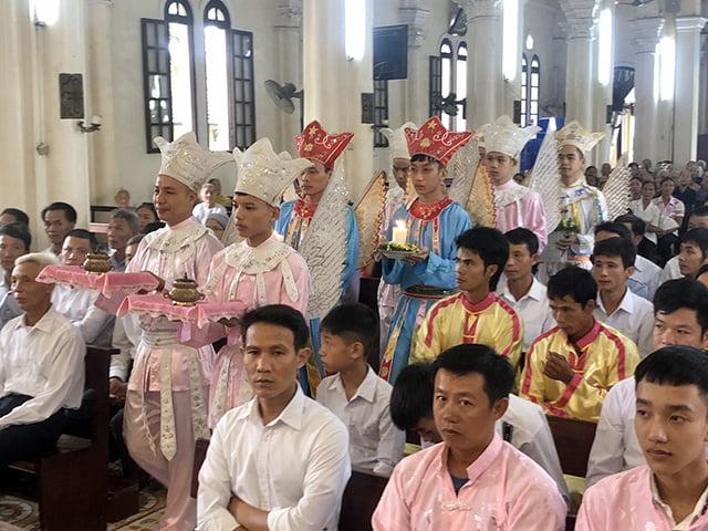16539 thach bich 3 - Hội Trống giáo xứ Thạch Bích mừng lễ quan thầy lần thứ hai