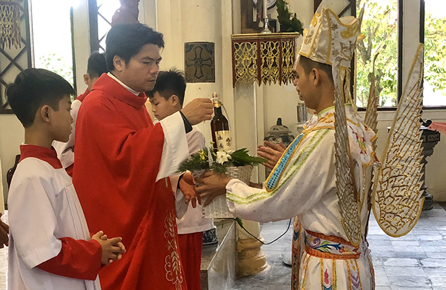 16539 thach bich 6 - Hội Trống giáo xứ Thạch Bích mừng lễ quan thầy lần thứ hai