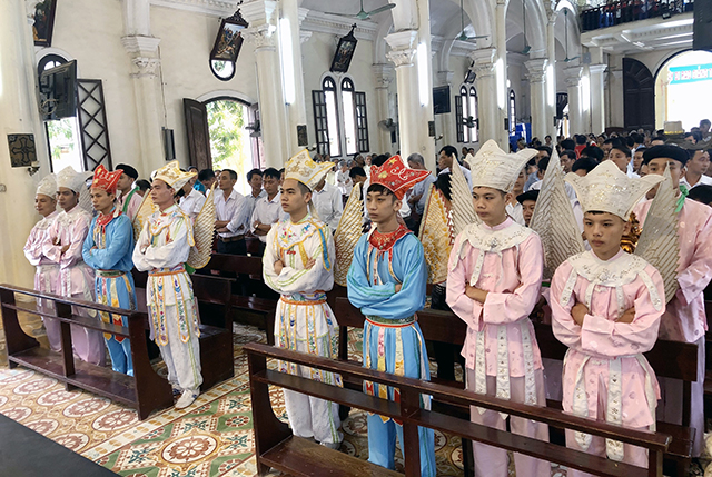 16539 thach bich 8 - Hội Trống giáo xứ Thạch Bích mừng lễ quan thầy lần thứ hai