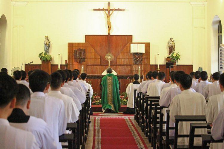 16542 dcv 9 750x500 - ĐCV Thánh Giuse Hà Nội: Những hoạt động ý nghĩa trong tháng truyền giáo ngoại thường