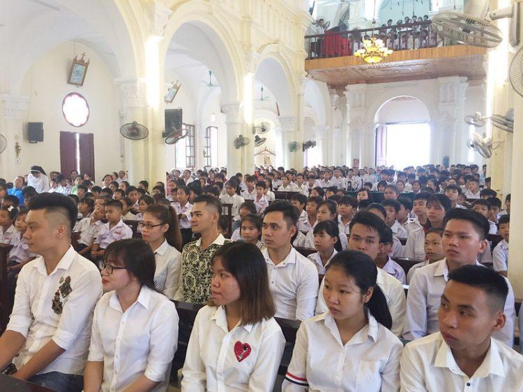 16545 cn truyen giao 6 750x563 - Giáo xứ Lường Xá: Thánh lễ cầu nguyện cho công cuộc truyền giáo