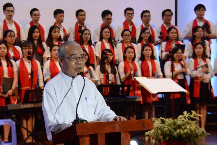 17102019 105159 750x500 - Đêm Thánh Ca: Thánh Ca Việt Nam Song Ngữ