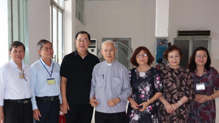 thang tien hon nhan gia dinh 07 750x421 - Chương trình Thăng tiến hôn nhân gia đình Tổng Giáo phận Sài Gòn: Khóa căn bản 779