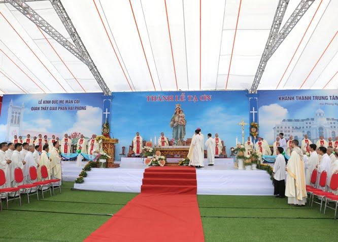 thanh le be mac dai hoi va lam phep ttmv gp hai phong 04 - Thánh lễ bế mạc Đại hội XIV HĐGMVN và làm phép TTMV Giáo phận Hải Phòng