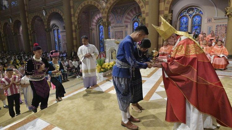 duc thanh cha cu hanh thanh le voi gioi tre thai lan 750x422 - Đức Thánh Cha cử hành Thánh lễ với giới trẻ Thái Lan