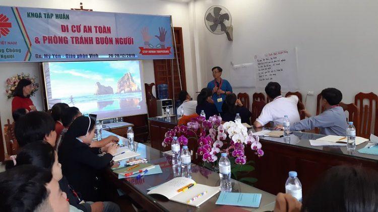 tap huan chong buon nguoi 750x422 - Tập huấn chống buôn người