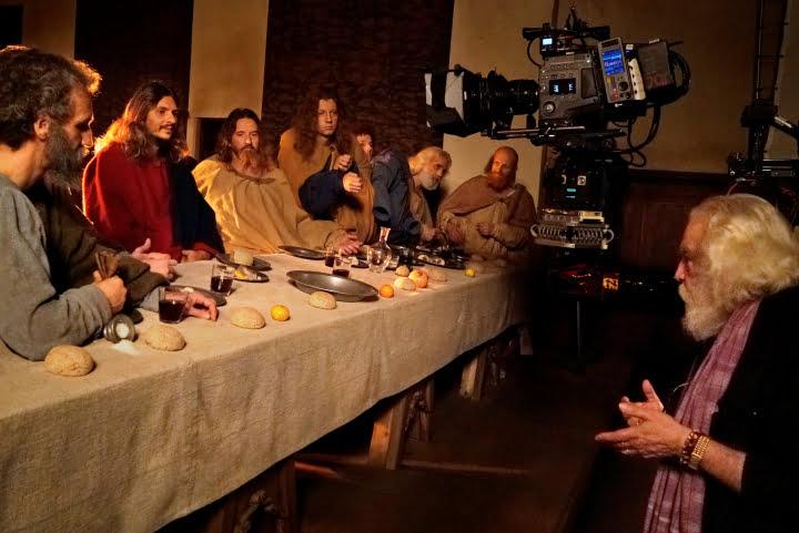foto armondo durante le riprese - Phim 9 phút tuyệt vời về bức tranh 'Bữa Tiệc Ly' của Leonardo da Vinci