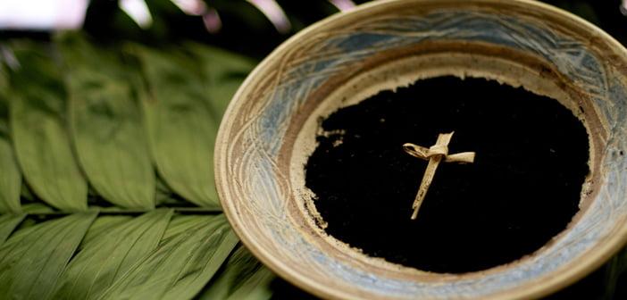 y nghia tuong trung cua tro 2 - Ý Nghĩa Tượng Trưng Của Tro Trong Ngày Thứ Tư Lễ Tro Là Gì?